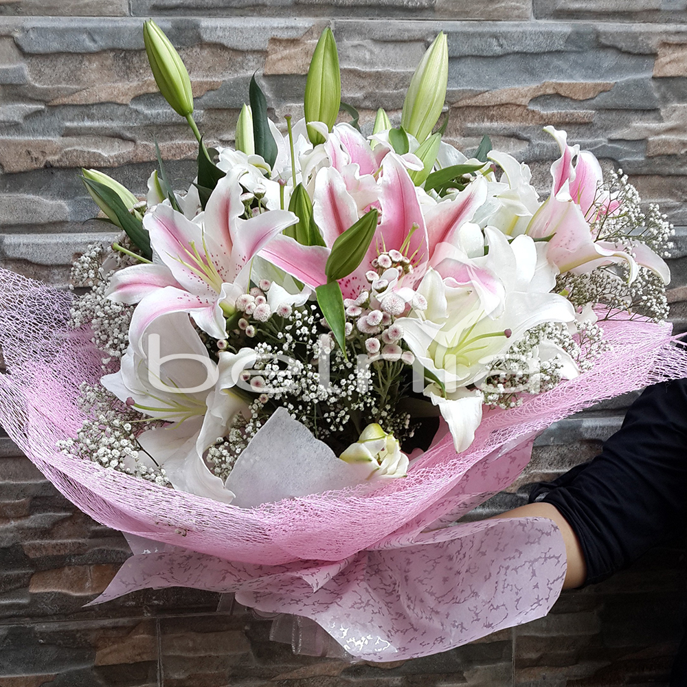 Belnia Shop Line Biji Bubuk Kopi Betina Koffie Warung Tinggi Premium Blended Coffee 500 Gram Hand Bouquet Fresh Lily Flower Buket Bunga Segar Tangan Lili Tunangan Wedding Anniversary Wisuda