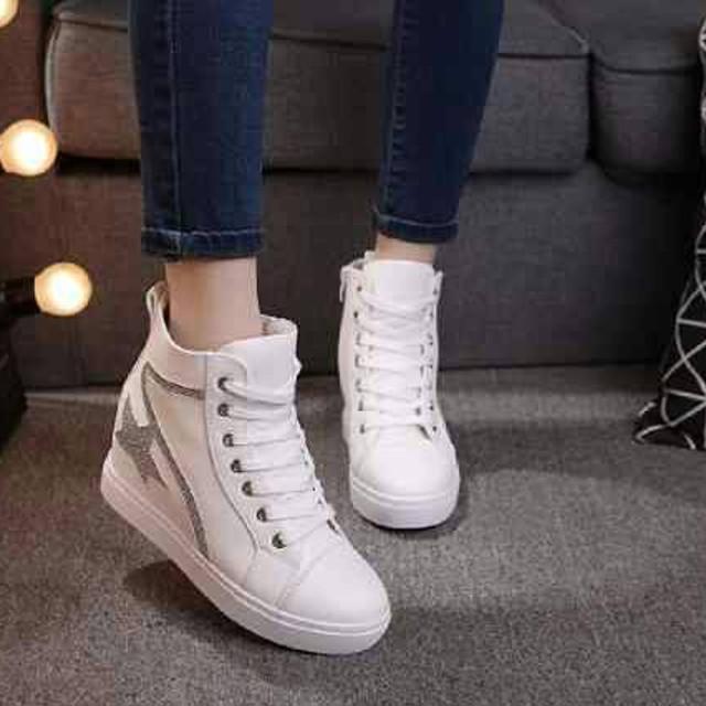 SEPATU BOOTS WANITA WHITE STAR - KOREA STYLE - SEPATU BOOT MURAH: Rp 129.999 Rp