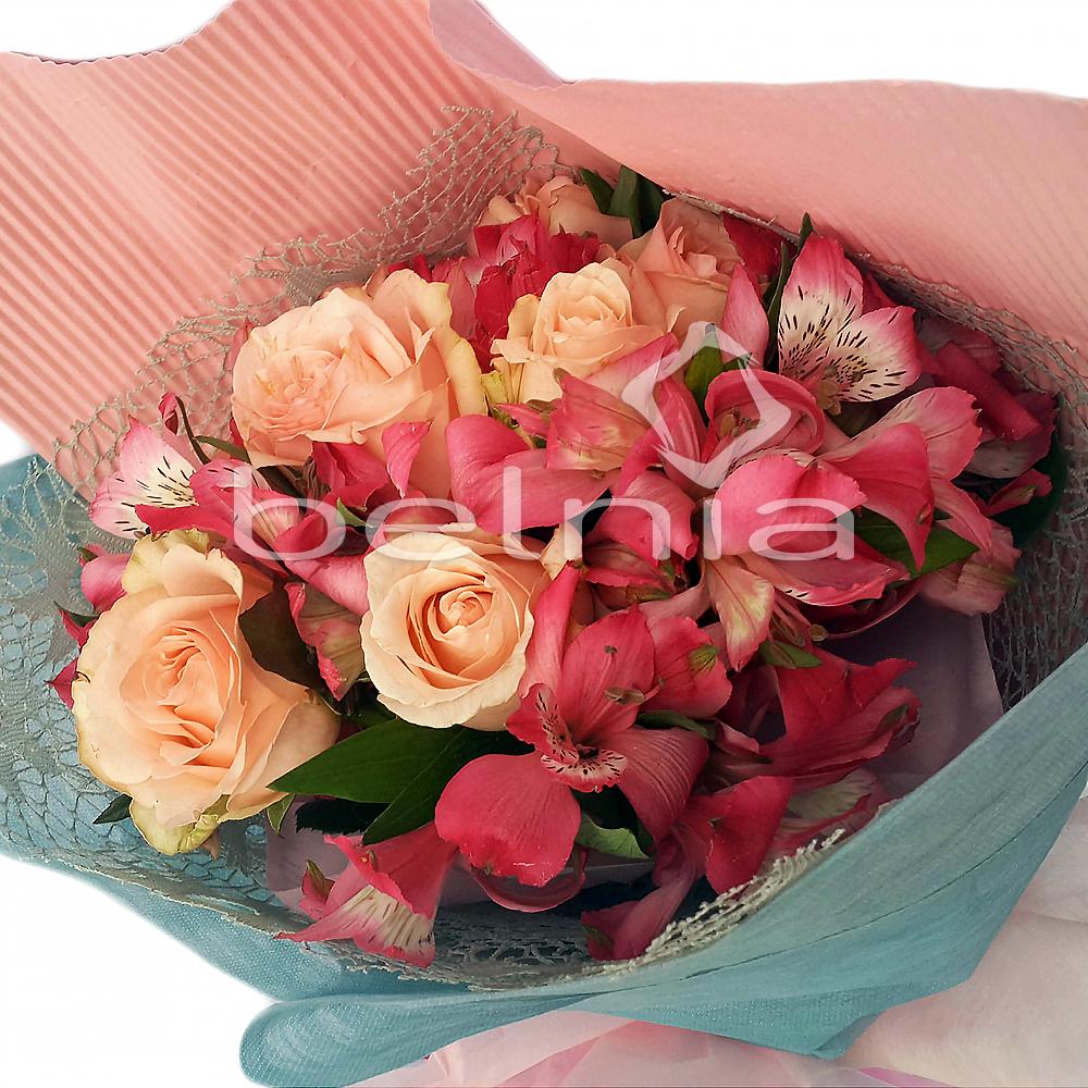 Belnia Shop Line Biji Bubuk Kopi Betina Koffie Warung Tinggi Premium Blended Coffee 100 Gram Hand Bouquet Fresh Flower Buket Bunga Asli Rivore Peruvian Lily Rose Valentine Wisuda Birthday