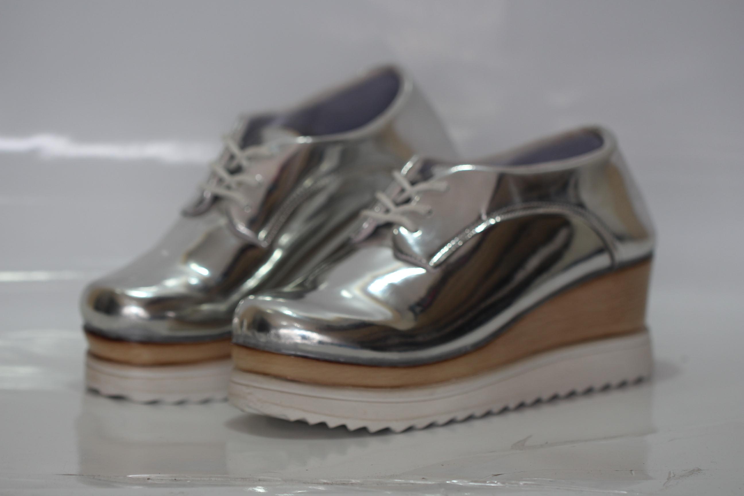 Thirteen olshop shop sepatu wanita piu bintang hitam for Wohnzimmertisch noce