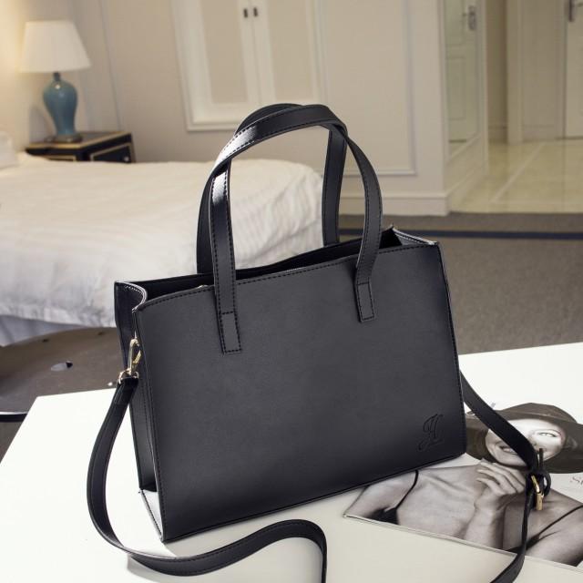 Tas Jims Honey Sandie Bag Black: Rp 169.000