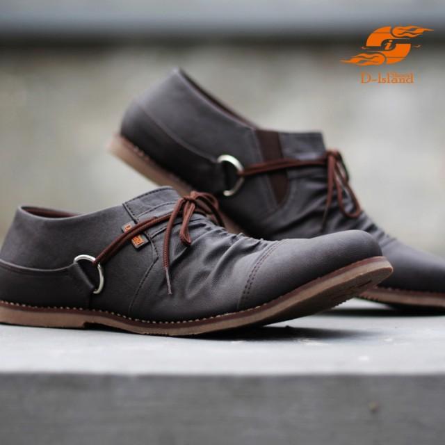 ... D Island Shoes Slip On Wrinkle Reborn Leather Dark Brown Rp 348 000 Rp 261 000