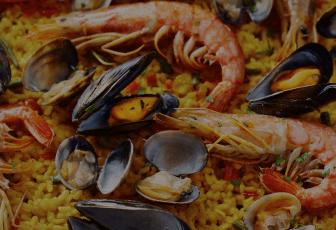 チーズタッカルビ、台湾ラーメンなどの東アジア料理、トムヤムクン、ガパオライスなどのタイ料理、ハラル料理のMalaychanなどに加え、デザートやカロリーを抑えた栄養のバランスを考えたヘルシーメニューなども揃えています。