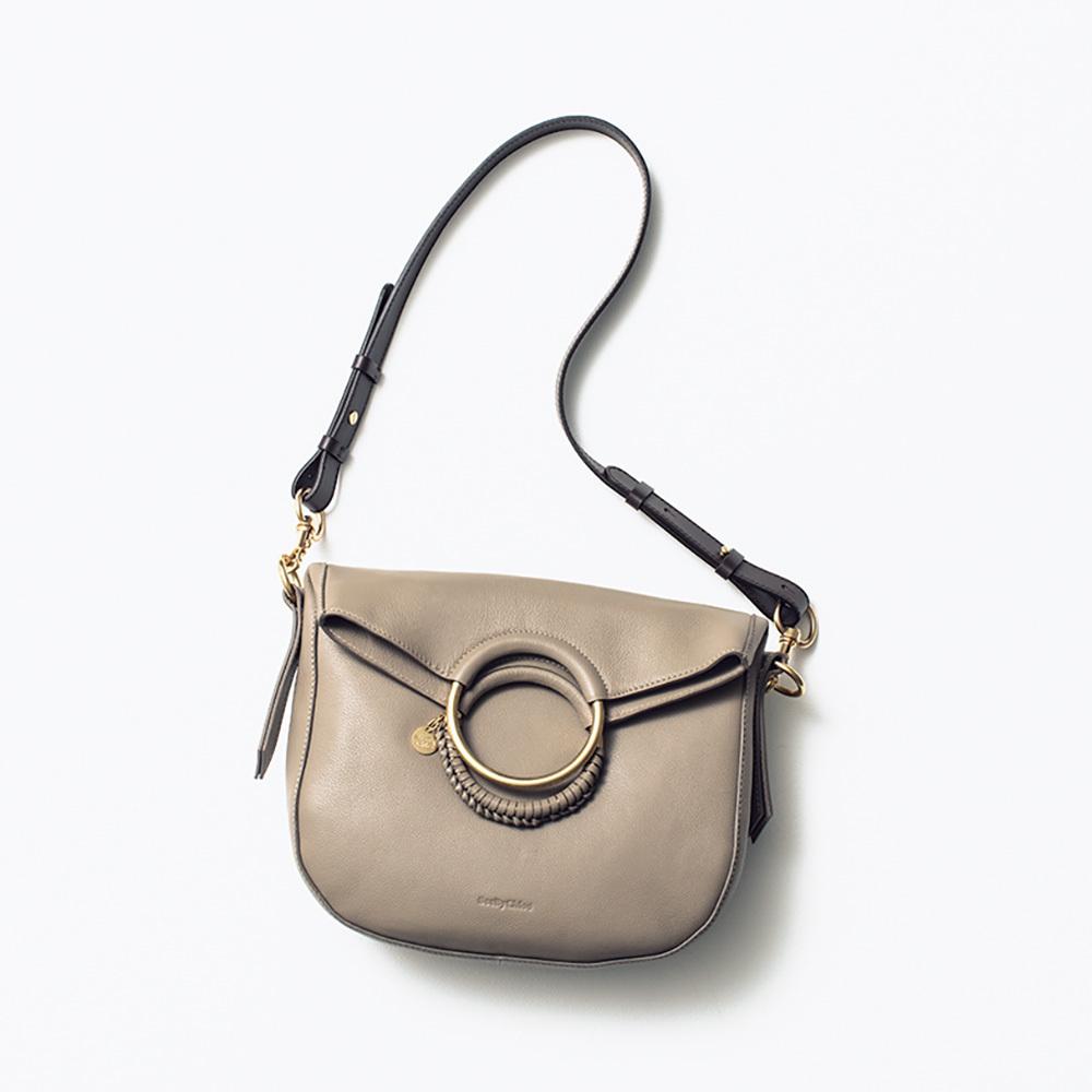 08615da7d372 2018年秋冬の最新バッグまとめ。使える毎日バッグからトレンドバッグまで ...