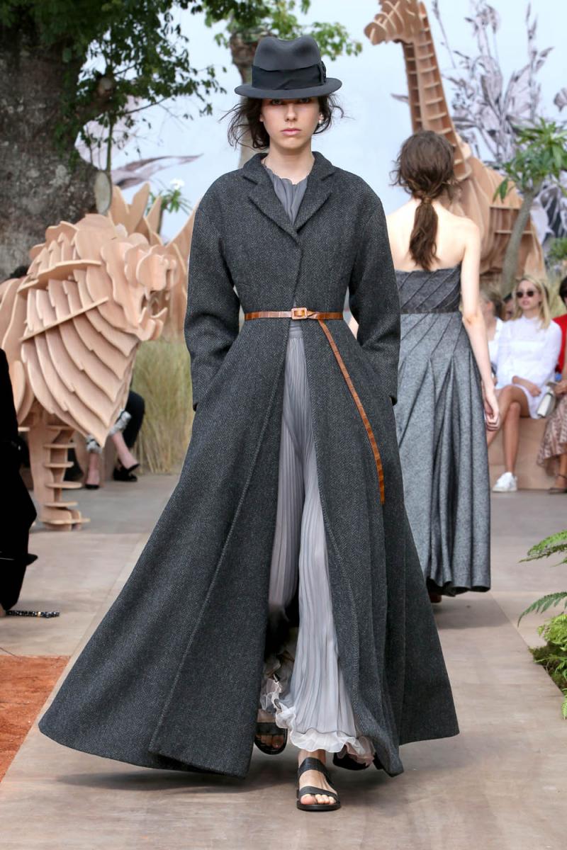 99e0acd3837ce 今、着たいのはグッドガール・ドレス! (SPUR NEWS) - LINEアカウント ...