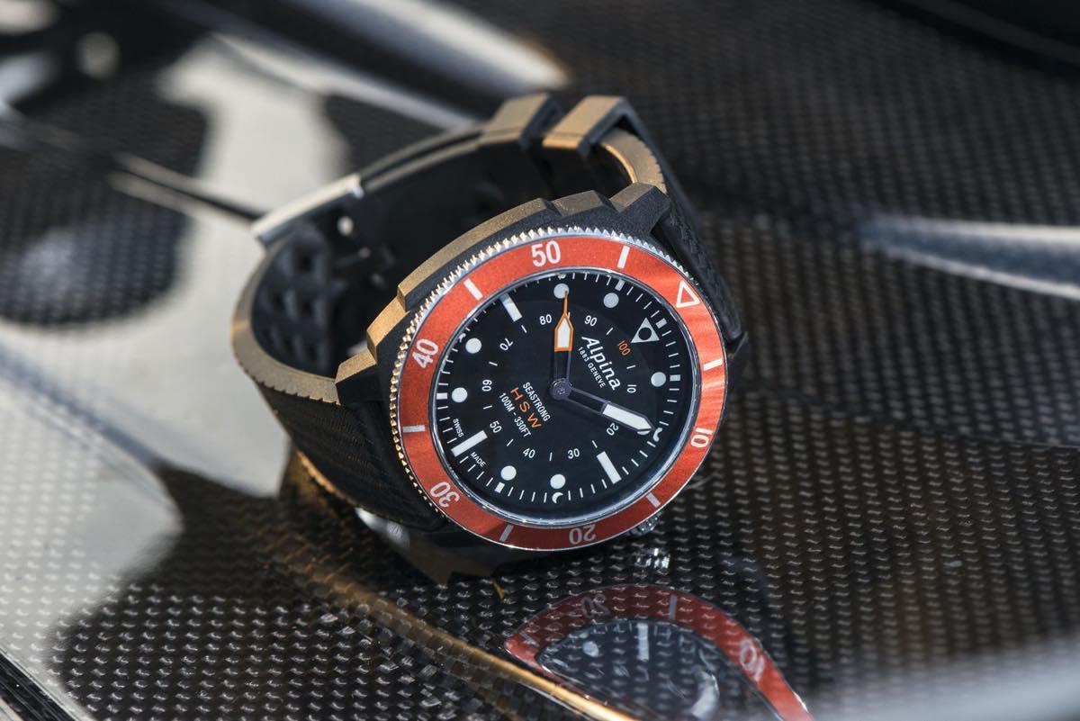 0eb91d597f 「AL-282LBO4V6」は、日本国内でブランド初となる、スマートフォンとの連携機能を備えたアナログ時計「オロロジカル スマートウォッチ」です。