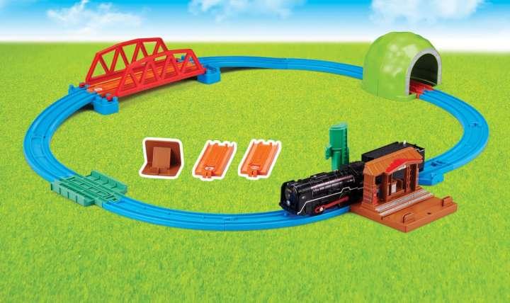 """d31674332775 """"電車のオモチャ""""の領域を超えて幅広い世代に愛され続けているタカラトミーの「プラレール」は、今年で何と発売開始から60年目を迎えます。このメモリアルイヤーを記念  ..."""