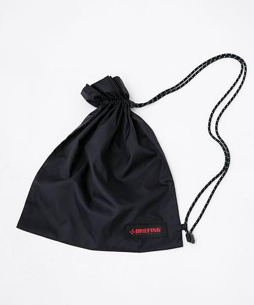 9a1a2e0aece8 秋冬用のアウターはステンカラーコート(3万4000円)とマウンテンパーカー(3万5000円)の2種で、中綿にサーモライト、ブリーフィングのバッグを彷彿とさせる豊富な  ...
