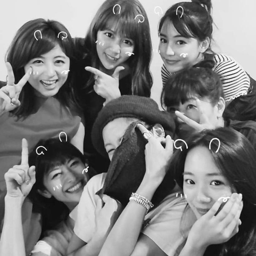 西山茉希、親友・宇賀なつみアナの誕生日をいつものメンツでお祝い ...