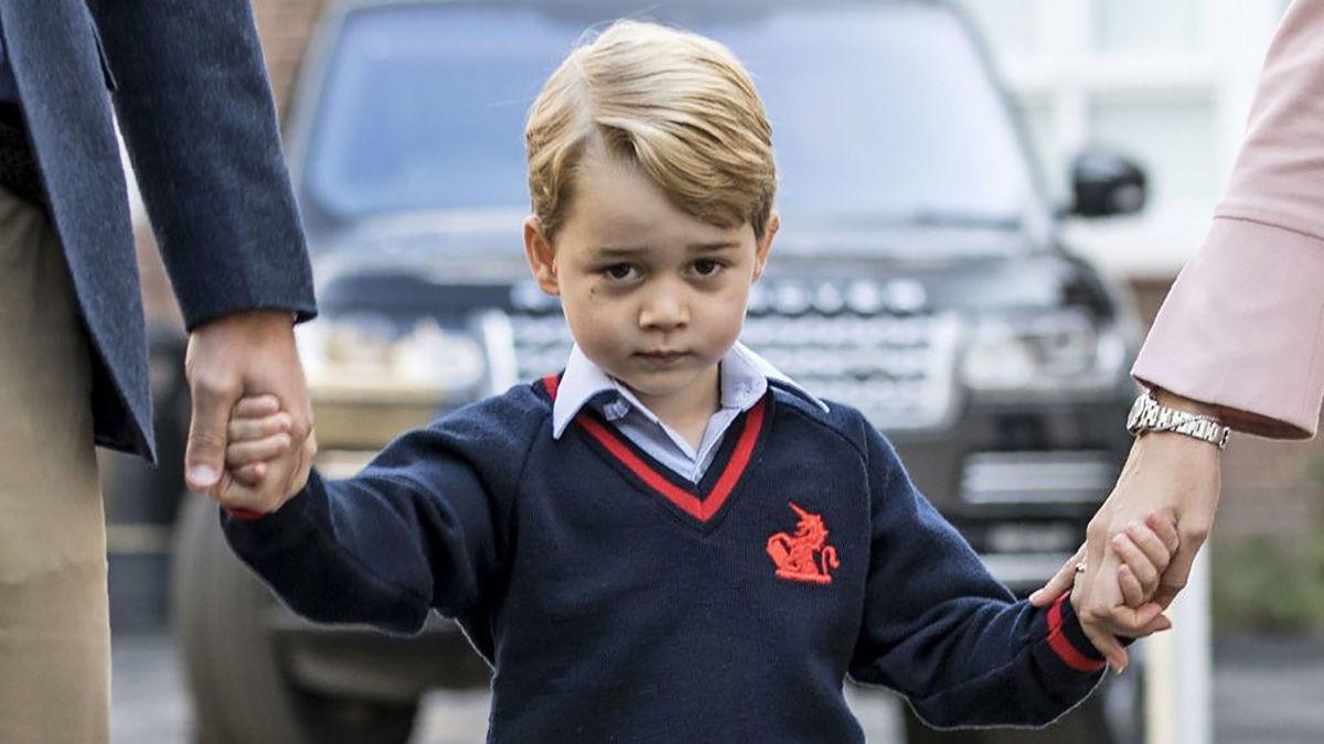 ジョージ王子、警察官への憧れさらに強まる (Esquire