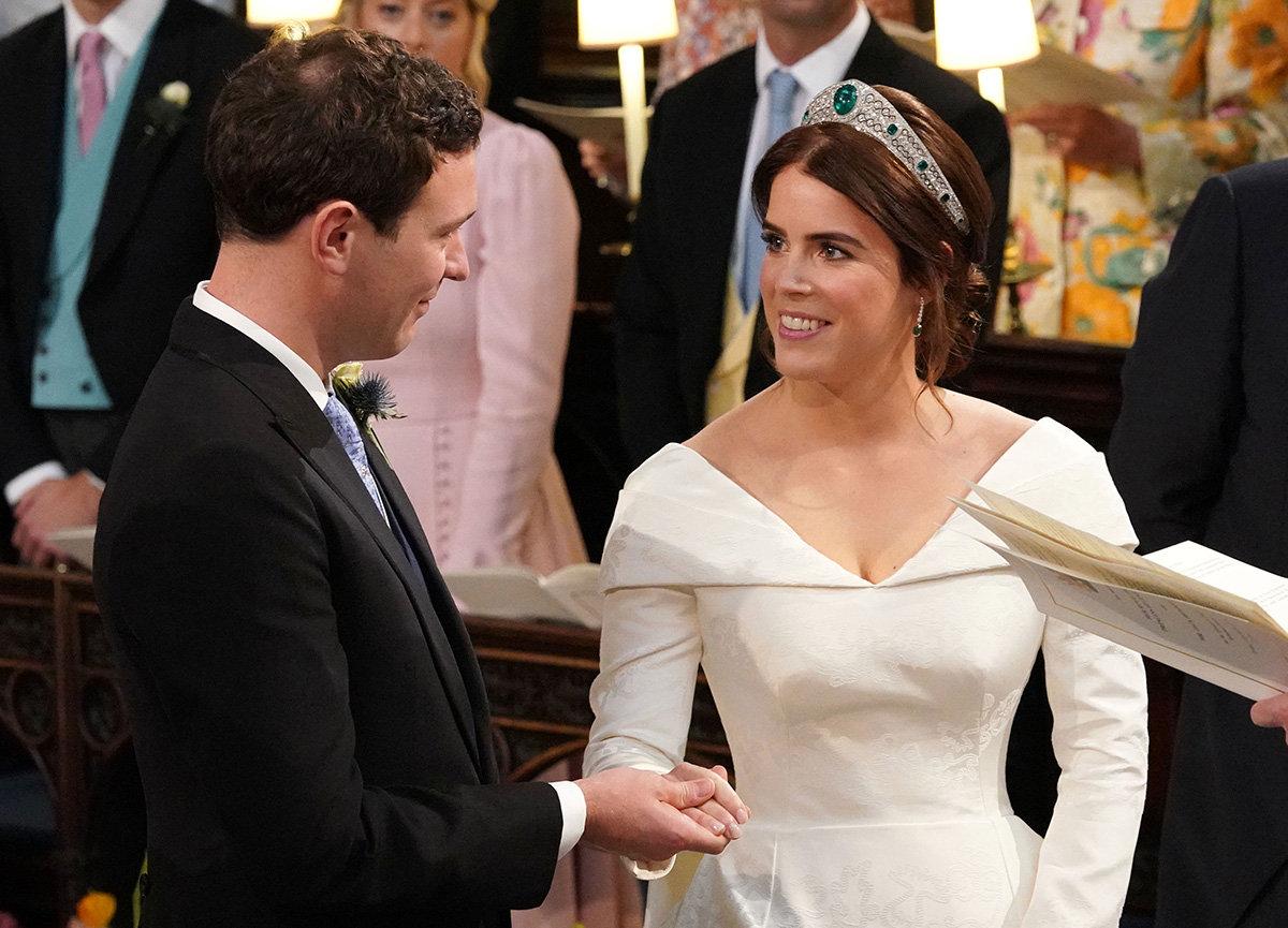 dbcedf407ba1e いよいよ式がスタートし、祭壇に立った新郎新婦。ジャックはユージェニー王女の美しさに感激して「君はパーフェクト」「心が砕けてしまうほど」と囁いていたそう