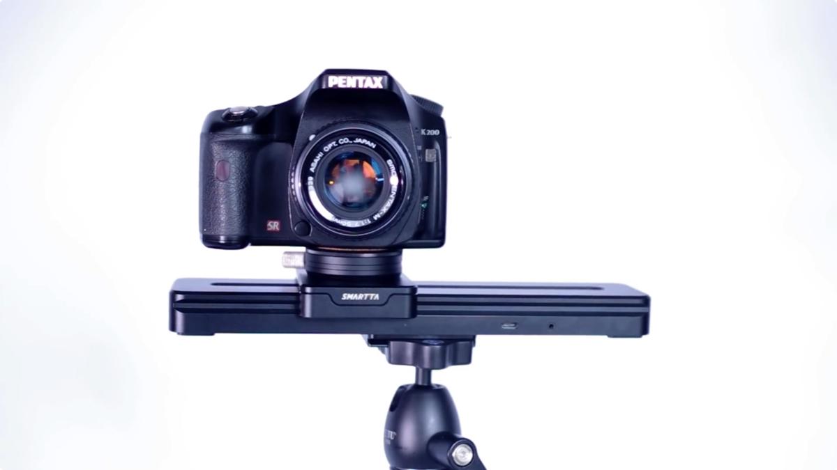 abd280c9b103 スマホで簡単に操作できる、超小型カメラスライダー「SliderMini」。外出先でスライダーを使った本格的な映像を、手軽に撮影出来るので、カメラマンの頼もしい味方に  ...