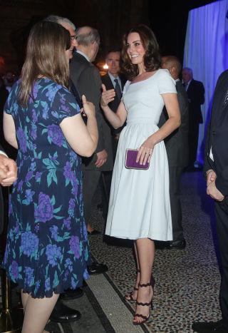7471051f5a6df 7月13日ロンドン自然史博物館ドレス:プリーン・バイ・ソーントン・ブレガッジーサンダル:プラダクラッチ:ジェローム・C・ルソーピアス:カサンドラ・ゴード