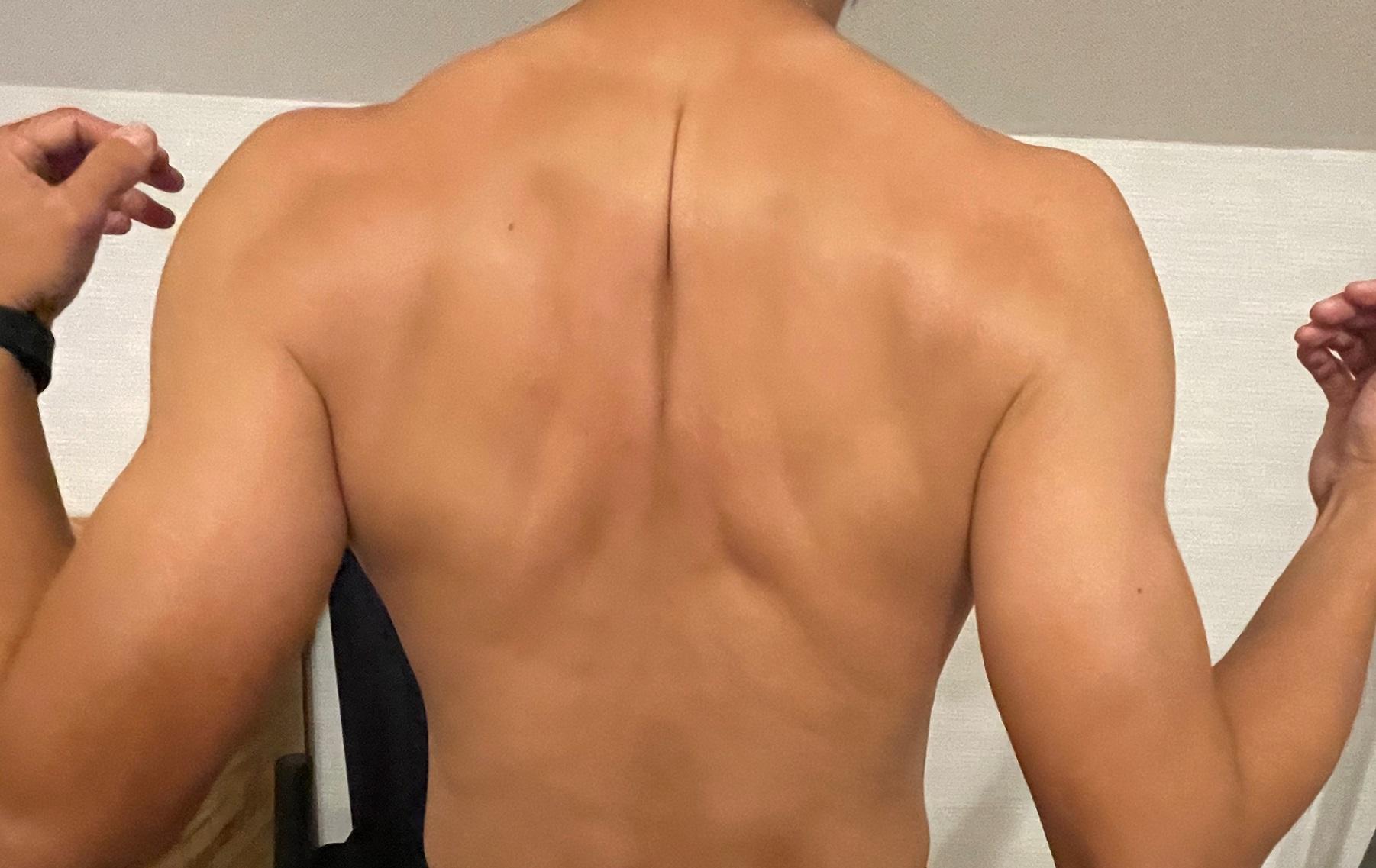 痛い と を 肩 が 左 甲骨 吸う 息