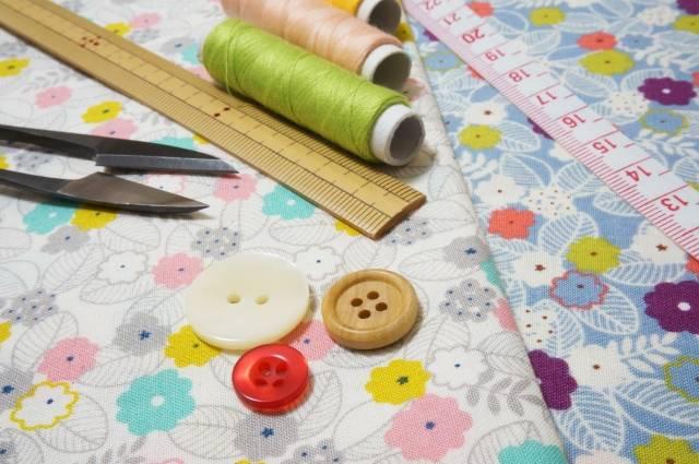 1f0533857f4ef お気に入りの布で、パパママが作ってくれた移動ポケットは子どもにとって特別です。少々形がいびつでも「自分のためにつくってくれた」ことが喜びになります。