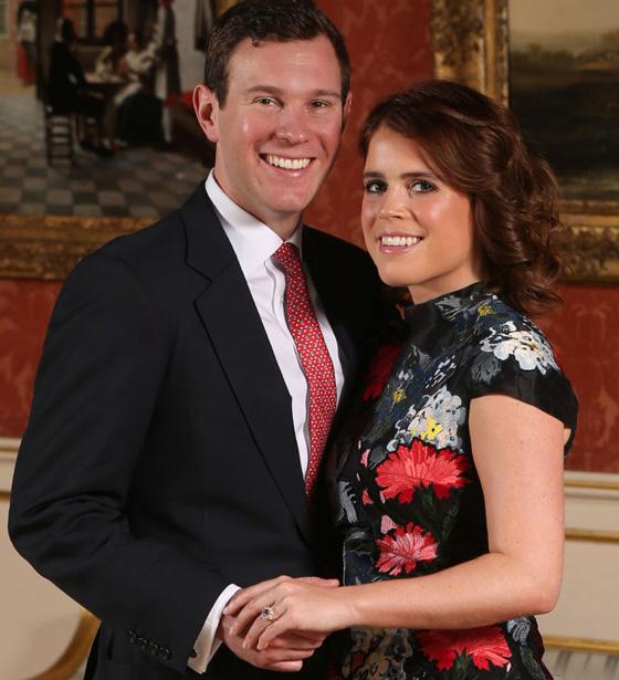 b2edfd769ce5b ご存じ、現在はキャサリン妃の左手薬指で輝いていますね。 そして、昨年ご結婚された、ユージェニー王女の婚約指輪も、クラスター・リングでした。