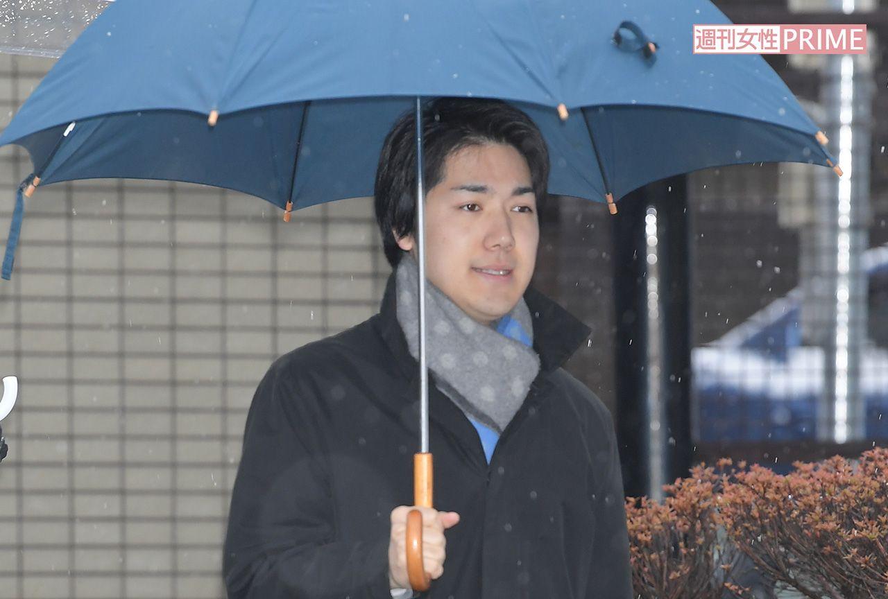 傘 投げつけ 秋篠宮