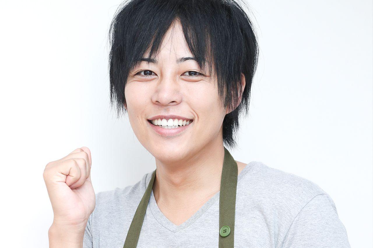 """日本一""""のイケメン学校栄養士「給食の先生が僕の中のヒーローだったんです」 (週刊女性PRIME) - LINE NEWS"""