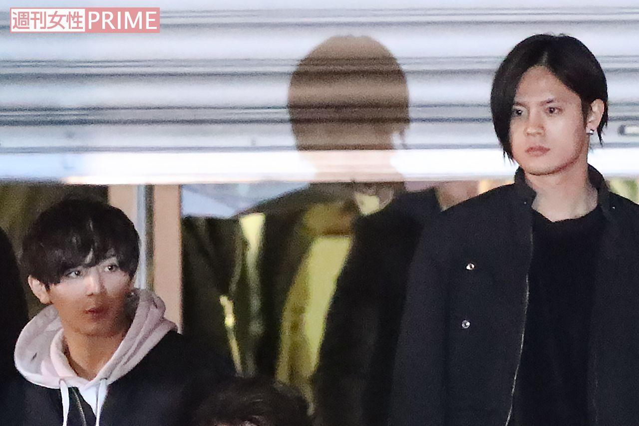岡本圭人の父がメンバーに謝罪、山田涼介からは冷ややかな視線 (週刊 ...