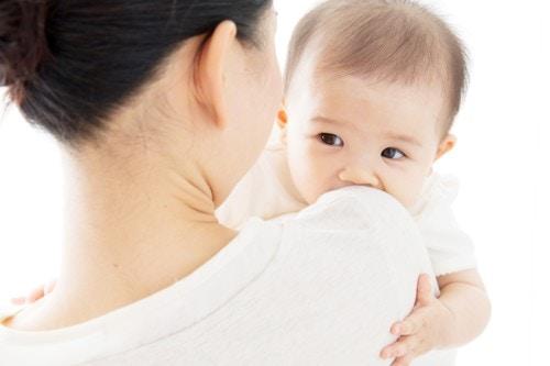 ヶ月 過ごし 方 生後 3 生後3ヶ月の生活リズムの例を公開!夜中に起きるのを少なくしたい? 一日の過ごし方・睡眠時間・お昼寝